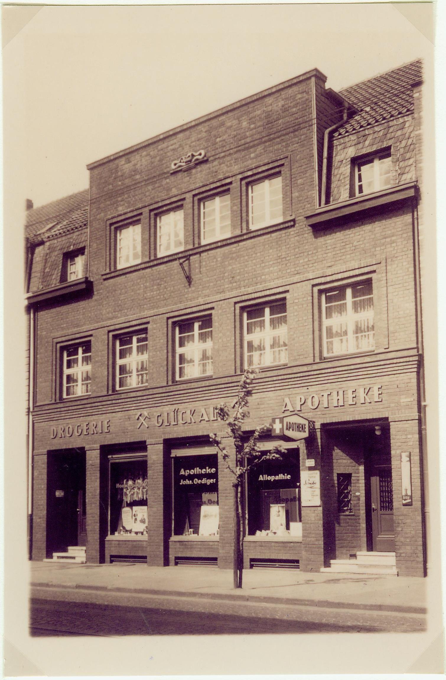 Gebäude hat Johannes Oediger gebaut. Bild aus dem Jahre 1927